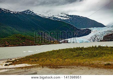 Mendenahll Glacier