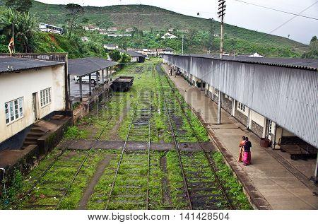 NUWARA ELIYA SRI LANKA - AUG 16 2005: riding by train the scenic mountain track from Nuwarelia to Colombo