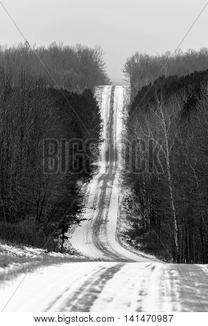 A steep, slippery hill in Lincoln county Wisconsin on a December day.