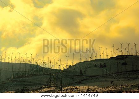 California'S Tehachapi Pass Windfarms At Sunrise In Winter.