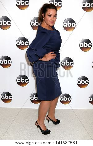 LOS ANGELES - AUG 4:  Katy Mixon at the ABC TCA Summer 2016 Party at the Beverly Hilton Hotel on August 4, 2016 in Beverly Hills, CA