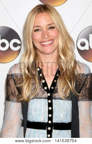 LOS ANGELES - AUG 4:  Piper Perabo at the ABC TCA Summer 2016 Party at the Beverly Hilton Hotel on August 4, 2016 in Beverly Hills, CA