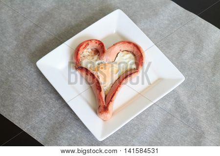 fried eggs heart , sausages hearts, breakfast, shape, egg, heart, cuisine