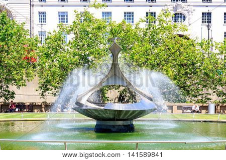 Gabo Fountain Garden At St Thomas's Hospital