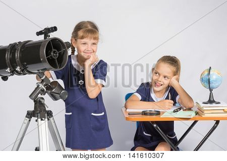 Girl Mysteriously Astronomer Looks Into The Distance, A Classmate With A Smile Looked At Her