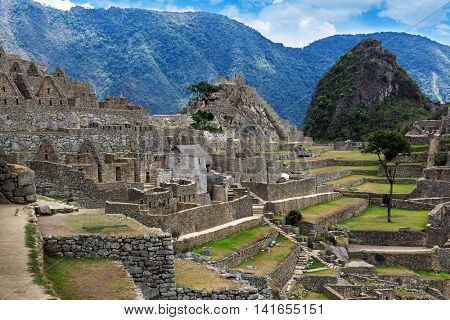 old walls and ancient ruin to Machu Picchu