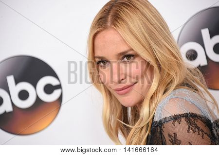 LOS ANGELES - AUG 04:  Piper Perabo arrives to the ABC TCA Press Party 2016 on August 04, 2016 in Hollywood, CA