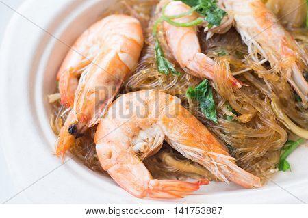 Casseroled prawns/shrimps with glass noodles Thai food.