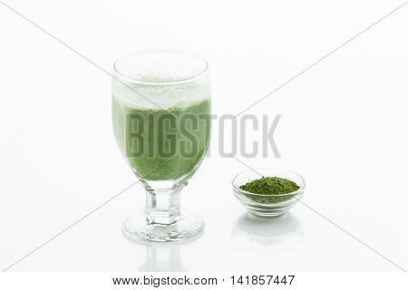 Powdered green tea latte