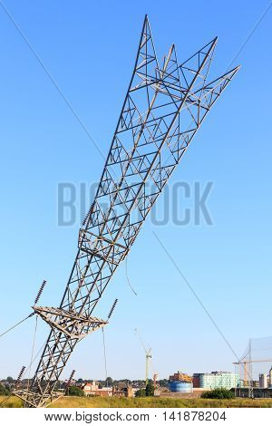 Upside Down Electricity Pylon In Greenwich