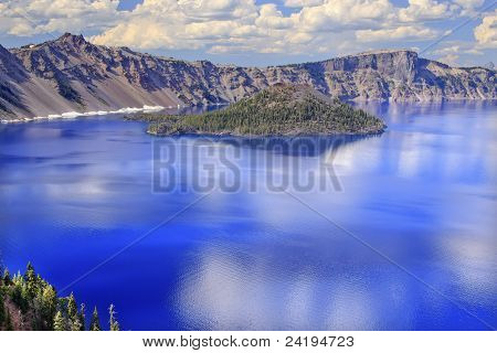 Crater Lake Reflection Wizard Island Clouds Blue Sky Oregon