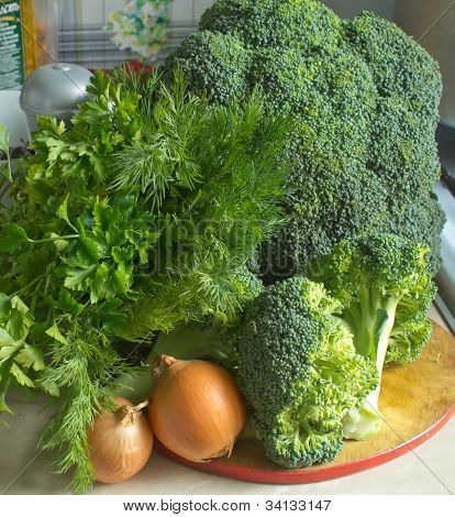 Broccoli and Salad and onion image