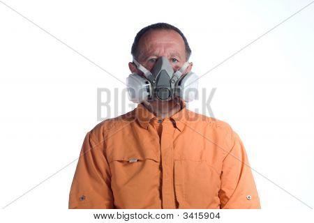 Hombre en respirador