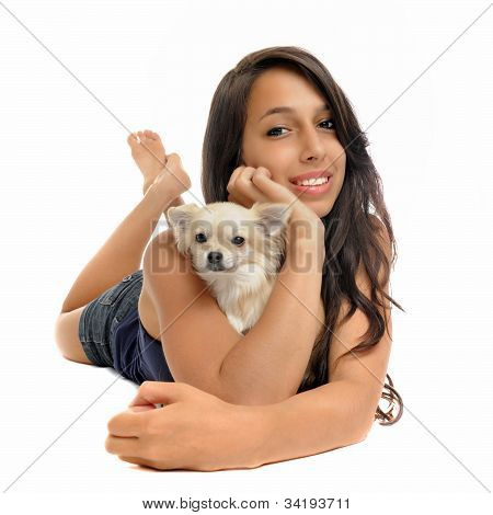 Chica y Chihuahua