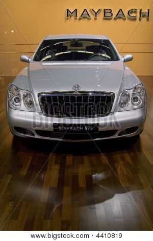 Stock photo : Mercedes-benz Maybach 625 At The Bologna Car Show