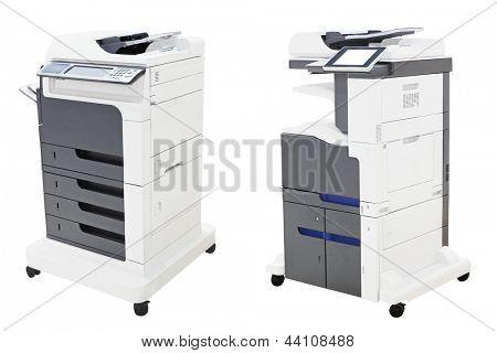 Escritório copiando a máquina sob o fundo branco do thew