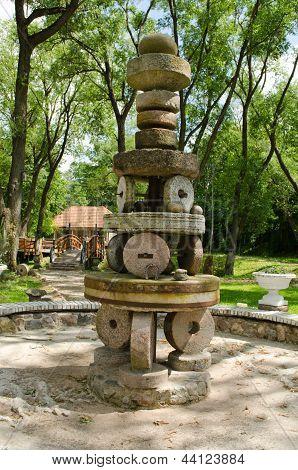 Rural Park Decor Figure Retro Vintage Millstones
