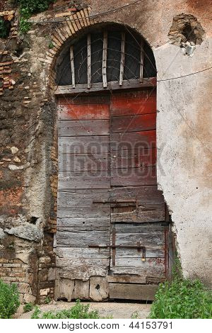 Casale Of Vaccareccia - A Brown Wood Old Door In Appia Antica, Rome - Italy