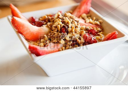 Oatmeal With Walnuts And Fresh Strawberries