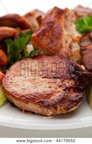 Постер, плакат: Продукты мяса на гриле, холст на подрамнике