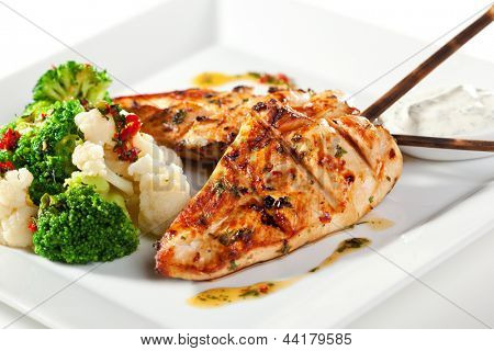 Grilled FIllet of Chicken Garnished with Cauiliflower
