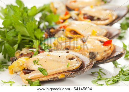edible mussels with spicery