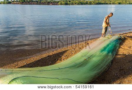 Mending Fishing Net