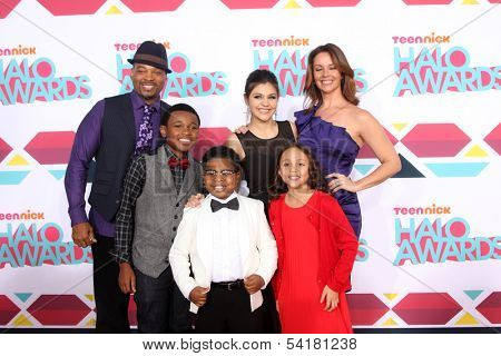 LOS ANGELES  NOV 17: Chico Benymon, Curtis Harris Jr., Amber Montana, Ginifer King, Breanna Yde, Benjamin Flores Jr at the TeenNick Halo Awards at the Palladium on November 17, 2013 in Los Angeles, CA