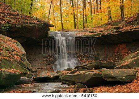 Hen Falls