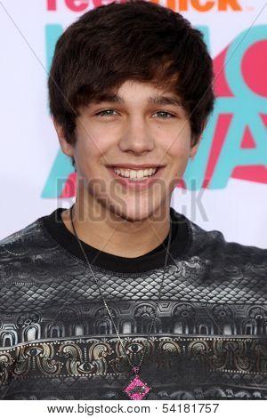 LOS ANGELES - NOV 17:  Austin Mahone at the TeenNick Halo Awards at Hollywood Palladium on November 17, 2013 in Los Angeles, CA