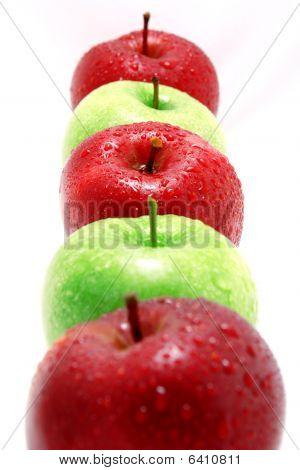 Traffic apples
