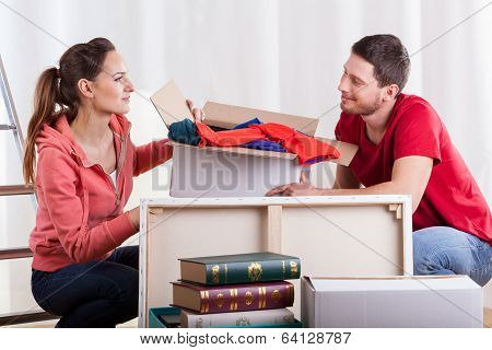 Young Marriage Packing Stuff