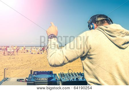 Dee Jay Mixing At Beach Party
