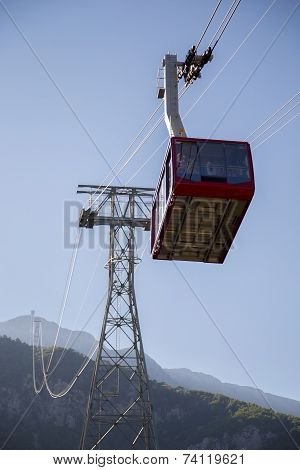 Cableway Going To Top Of The Mountain With Passangers