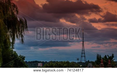 Crystal Palace Transmitting Station at dusk