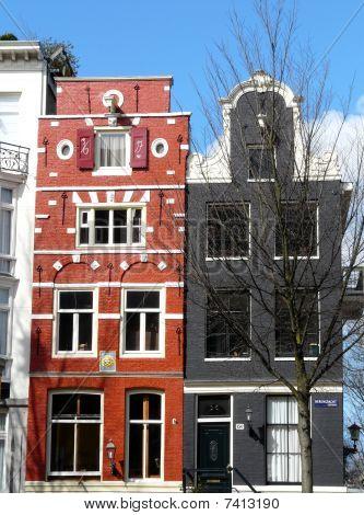 alte Häuser auf den Kanälen in amsterdam