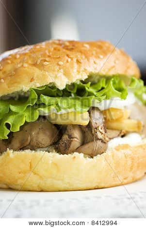Big Burger With Liver And Crisp