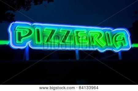 Pizzeria neon sign