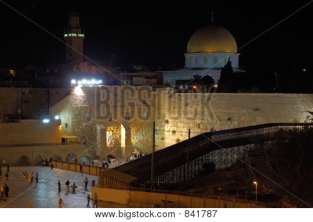 jerusalem old city at evening