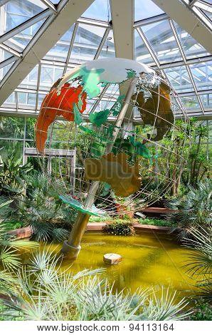 A Globe In Palmen Garten in Frankfurt, Germany on Mai 2012