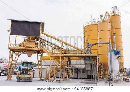 Plant For The Production Of The Beton