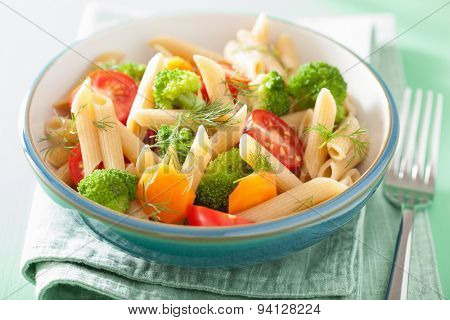 vegan pasta with broccoli tomato carrot