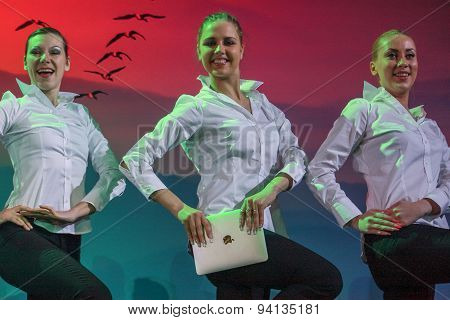 Moscow, Russia - May 17, 2011: Group Of Female Ballet Dancers Dance With Ipads At Opening Ceremony S