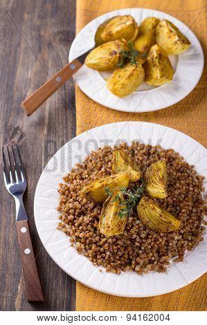 Buckwheat porridge with baked onions