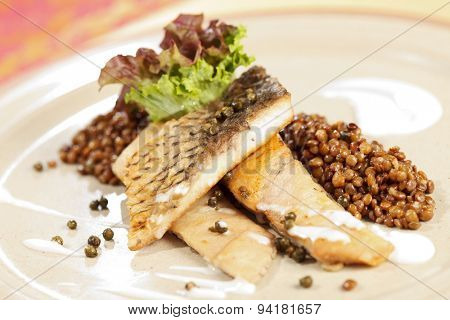 carp with green lentil