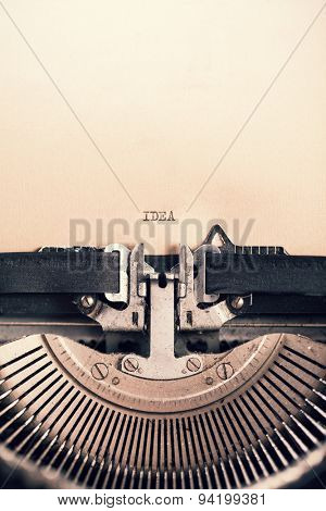 Detail of retro typewriter with message