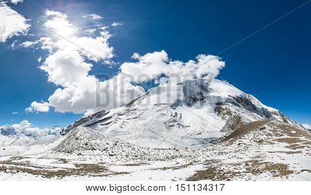 Spectacularo mountain panorama view from Thorong La pass at 5416m. Annapurna circuit trek in Nepal.