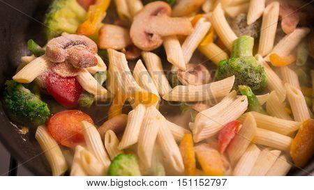 Primavera Pasta with mushrooms from the freezer