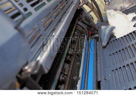 Preventive maintenance of an offset printing machine.
