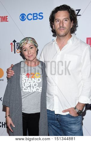 LOS ANGELES - SEP 09:  Shannen Doherty and Kurt Iswarienko arrives to the Stand Up To Cancer 2016 on September 09, 2016 in Hollywood, CA